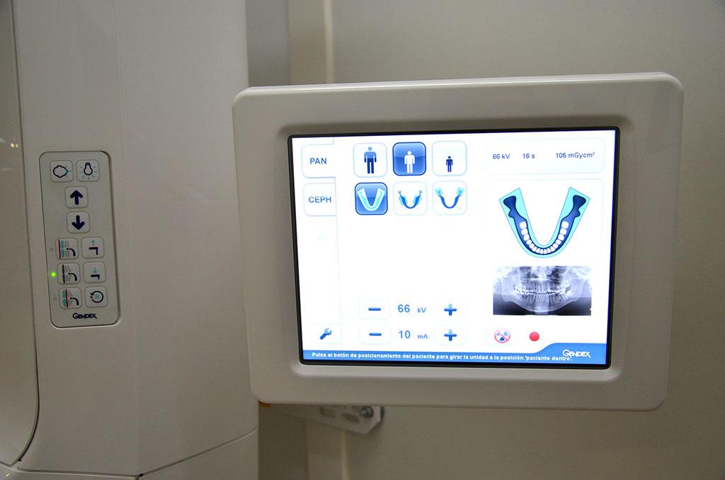 Odontólogos Componentes Radiológicos Clínica Perán
